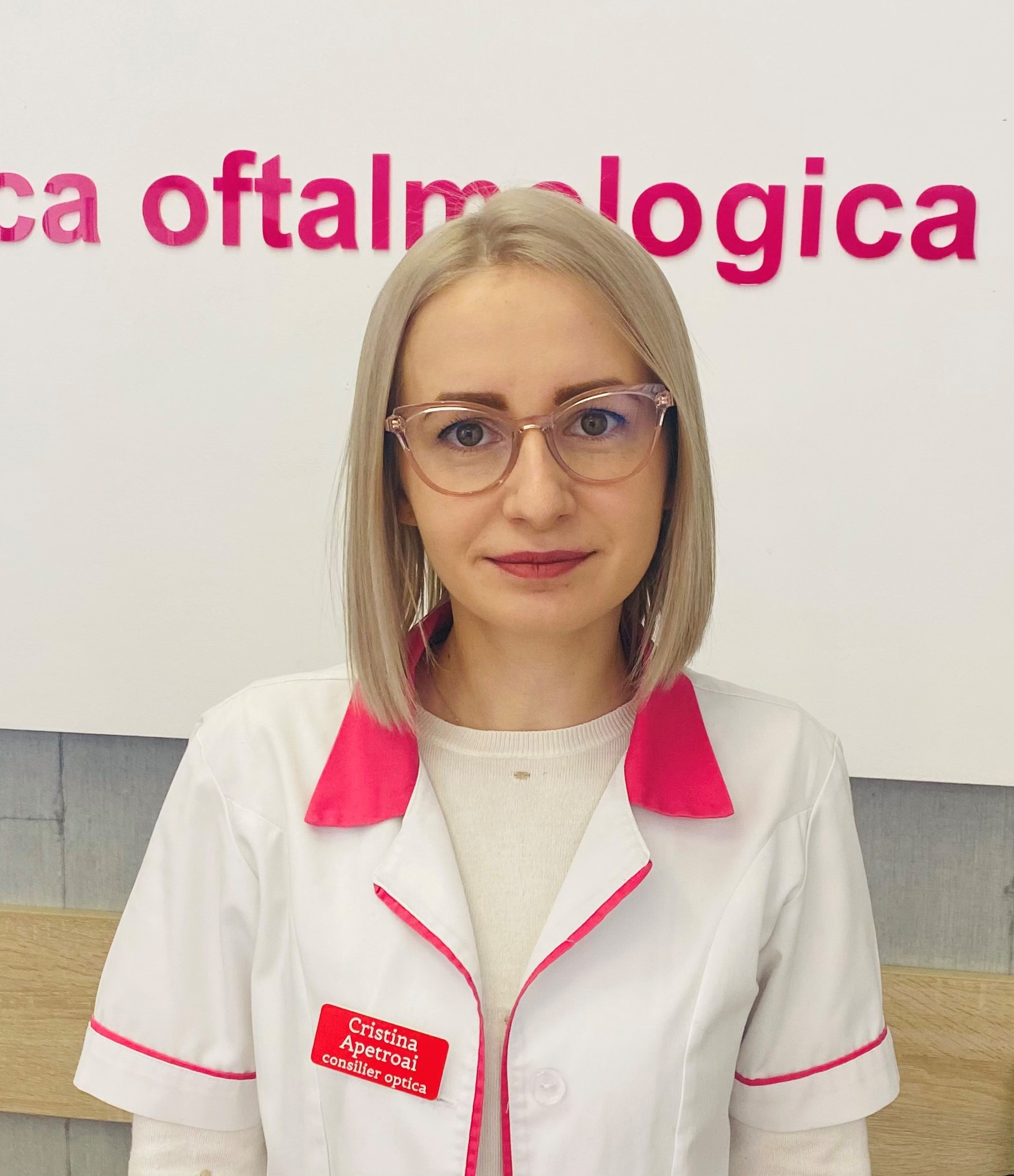 Cristina Apetroai